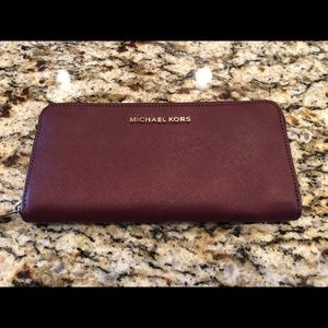 Michael Kors Zip Wallet Burgundy Red